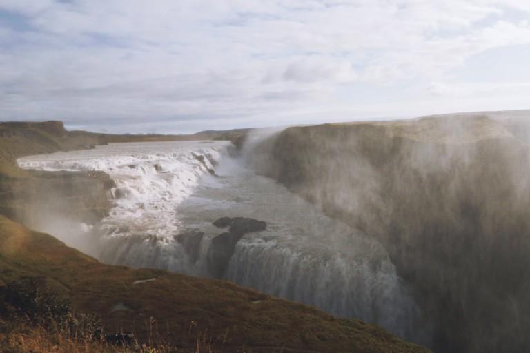 Le monstre Gullfoss, Islande