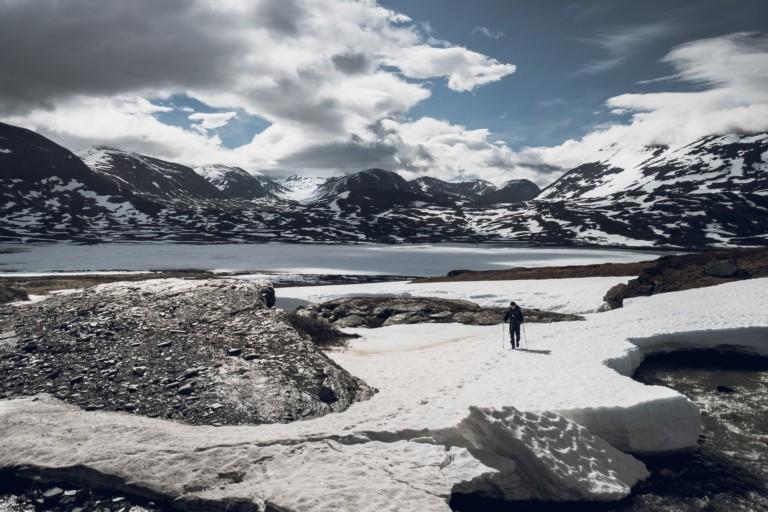 Traversée d'un pont de neige - Laponie